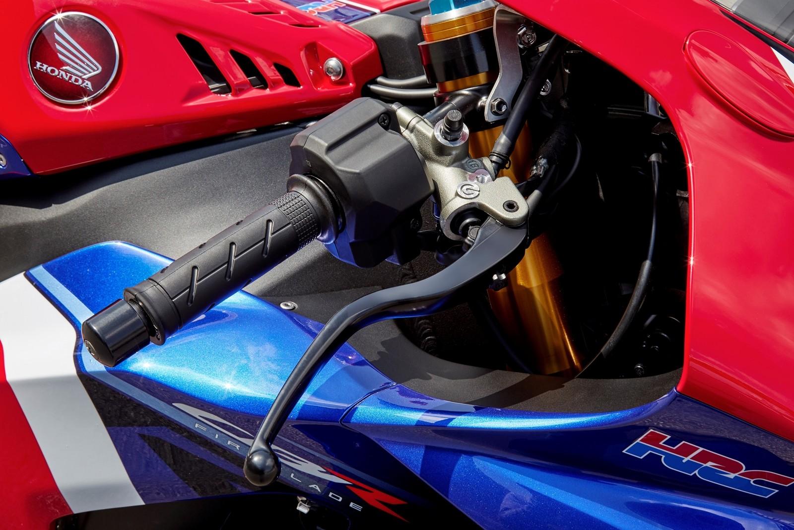 Foto de Honda CBR1000RR-R SP Fireblade 2020 (7/35)