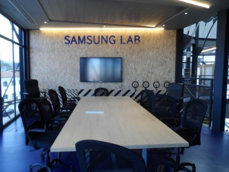 Samsung Lab In2mobile Body