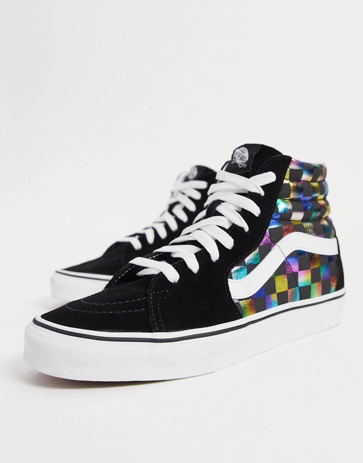 Zapatillas con diseño damero negro y blanco UA SK8-Hi de Vans