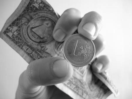 ¿Cómo va a afectar la subida del dólar frente al euro en el precio de la tecnología?