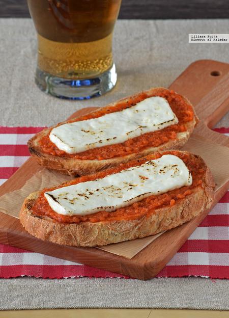 Tosta de sobrasada y queso fresco a la plancha