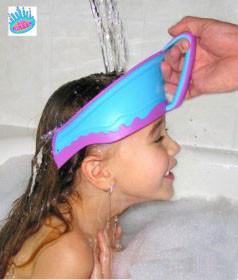 Protege los ojos de los niños del champú