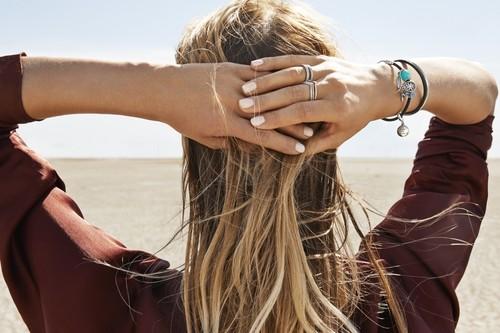 Las joyas minimalistas al estilo Coachella están en Pandora, ¿preparados para un verano boho-chic?