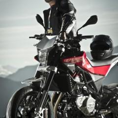 Foto 13 de 111 de la galería husqvarna-nuda-900-y-900r-datos-y-fotos-oficiales en Motorpasion Moto