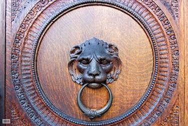 ¿Quién llama a la puerta? Aldabas y aldabones