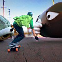 El vídeo que nos muestra cómo sería Mario Kart en la vida real y sobre un monopatín