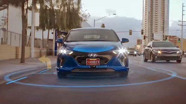 """Mira los primeros pasos autónomos del Hyundai IONIQ: con tráfico real y """"living Las Vegas"""""""