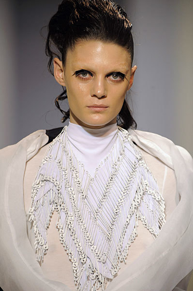 Foto de Gareth Pugh en la Semana de la Moda de París Primavera-Verano 2009 (1/28)