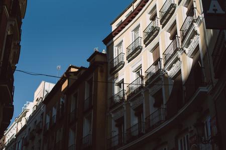 Vivir en la casa que te prestan tus padres, la salida cada vez más común para los jóvenes españoles