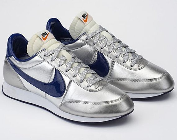 colette-nike-tailwind-night-tracks-silver-blue-01.jpg
