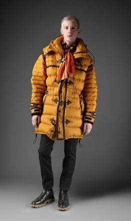 Foto de Esto sí que es velocidad: lookbook de la colección Otoño-Invierno 2011/2012 de Burberry Prorsum (14/48)