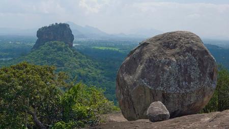 Sigiriya Rock o Lion Rock, desde Pidurangala Rock. Sri Lanka.