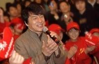 Jackie Chan confiesa haber sido camello, mafioso y jugador cuando era adolescente
