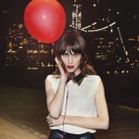 Así vestiría Alexa Chung de fiesta con moda low cost, lo descubrimos en la campaña de Vero Moda Party