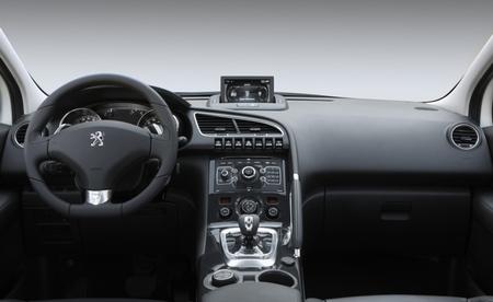 Peugeot 3008 HYbrid4 106
