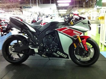 Yamaha YZF-R1 2012 ya está aquí la última Superbike de los diapasones