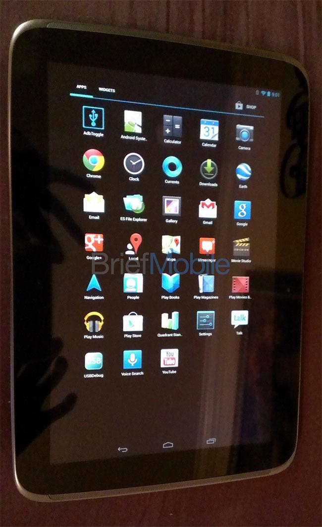 Foto de Aparecen las primeras imágenes reales del Nexus 10 y sus supuestas especificaciones técnicas (4/4)