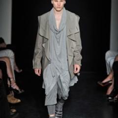 Foto 2 de 13 de la galería yves-saint-laurent-primavera-verano-2010-en-la-semana-de-la-moda-de-paris en Trendencias Hombre