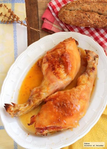 Cochinillo asado con salsa picante de mandarinas. Receta de Navidad