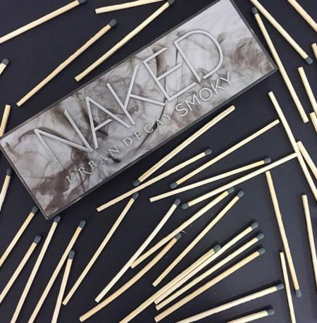 Consigue ahumados nunca antes vistos con la nueva Naked Smoky Palette de Urban Decay