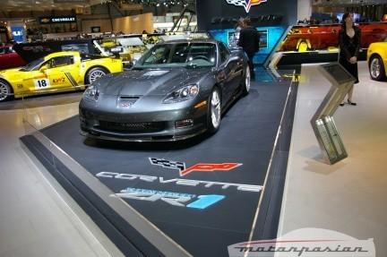 Chevrolet Corvette ZR1 y demás compañía en el salón de Ginebra