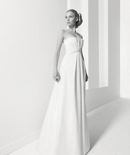 Jesús del Pozo, la pureza del vestido de novia