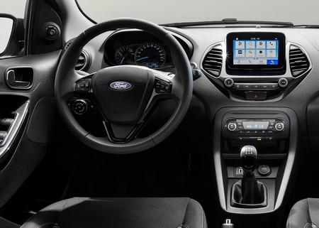 """Ford quiere eliminar el """"olor a nuevo"""" en los vehículos que vende en China"""