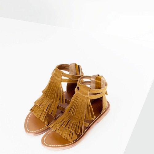 vestir pies