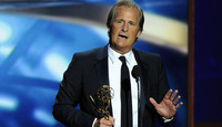 """Jeff Daniels y otros actores que han hecho """"un James Spader"""" en los Emmy"""