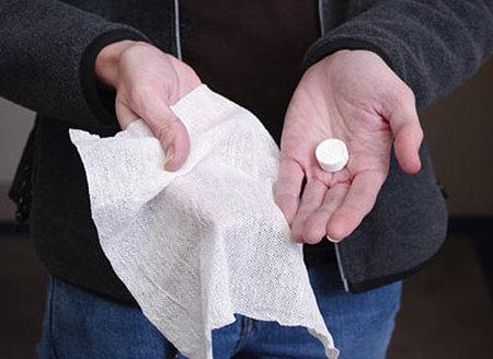 10 toallas en un bote de pastillas