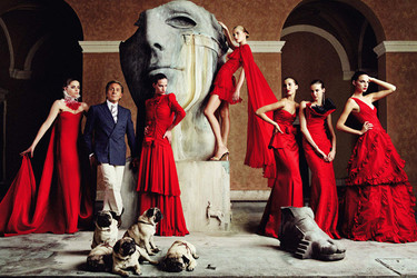 El Museo Thyssen trae la expo de Valentino a Madrid