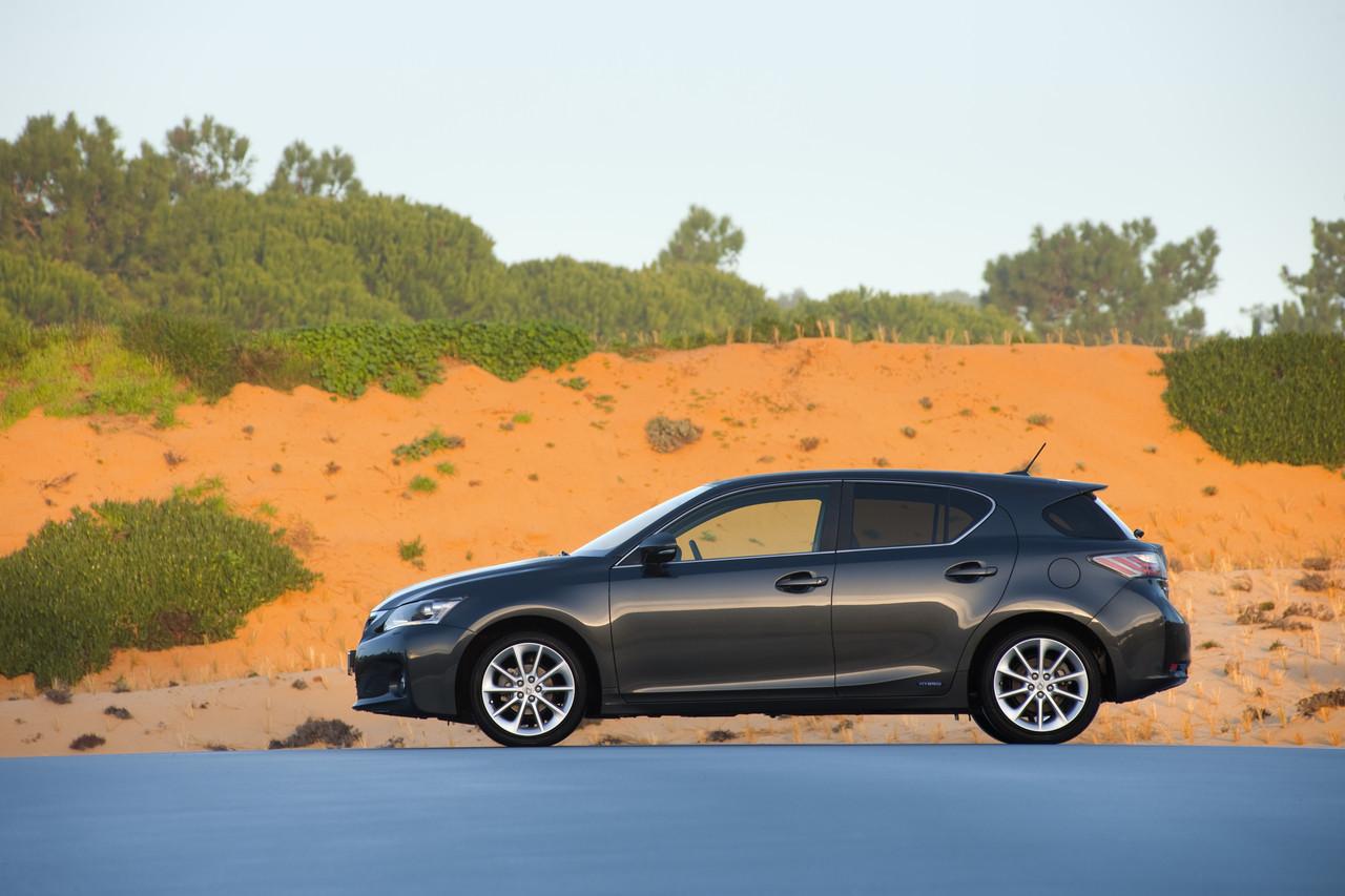 Foto de Lexus CT 200h (104/164)