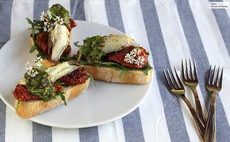 Pinchos De Rucula Tomates Secos Y Caballa En Conserva
