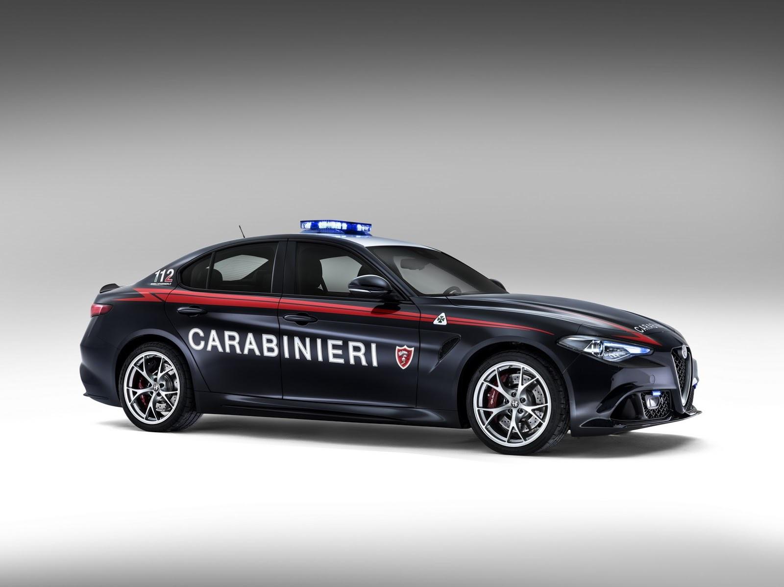 Foto de Alfa Romeo Giulia QV Carabinieri (5/32)
