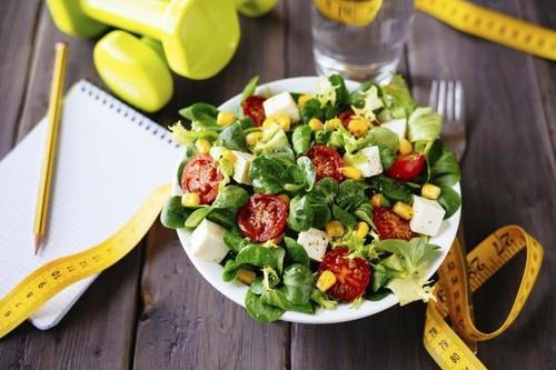 Un ejemplo de dieta para planificar una alimentación que te ayude a estar en forma