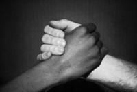 ¿Conquistar un territorio controlado por la competencia? Toca aliarse con el enemigo