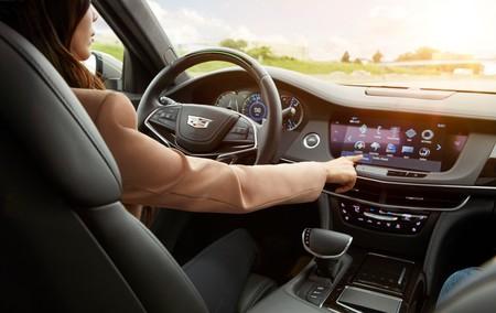 Los Cadillac se manejarán solos en carretera a partir de 2020