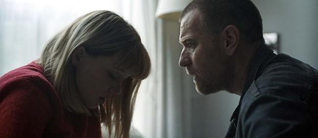 Tráiler de 'Zoe': Ewan McGregor y Léa Seydoux buscan una relación perfecta en la nueva distopía romántica de Drake Doremus