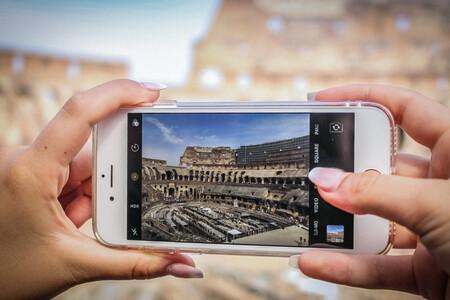 Martin Parr está convencido de que los móviles han transformado la fotografía documental