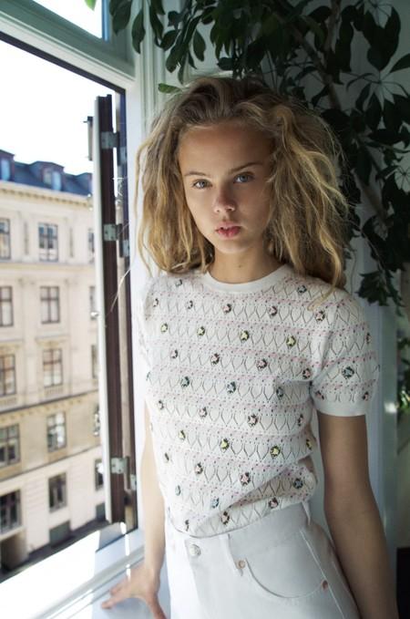 La nueva colección de Zara añadirá un toque de delicadeza extra a tu armario con estos bordados de fantasía (y de estilo vintage)