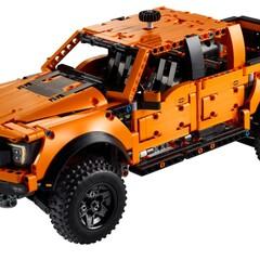 Foto 1 de 7 de la galería ford-f-150-raptor-de-lego en Motorpasión México