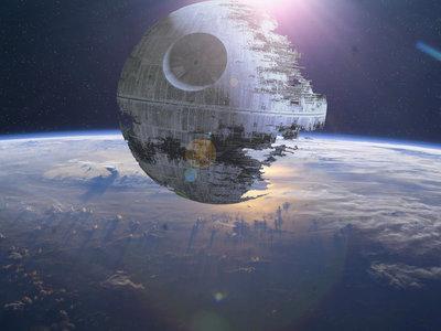 Una 'Star Wars' muy real: cuando la Fuerza te acompaña hasta construir cazas o pensar en la física del sable láser