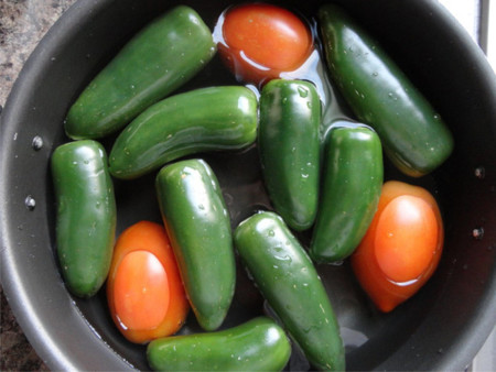 Ingredientes para salsa de cuaresmeños o jalapeños