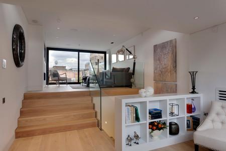 Narrow House Mg 7109