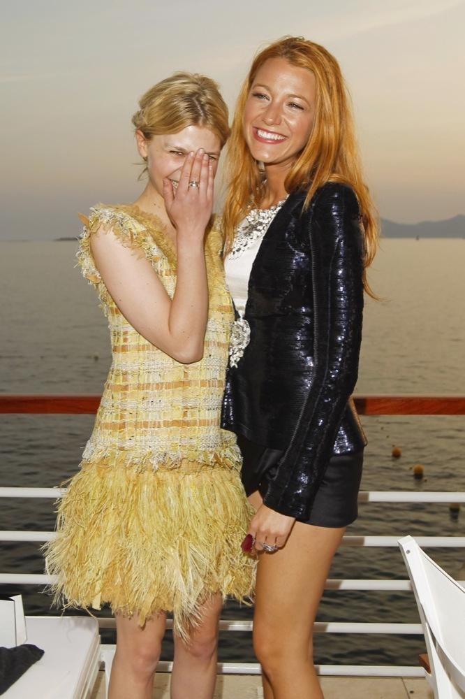 Foto de Las bellezas fieles de Chanel en el front row de la colección Crucero 2012 (6/23)