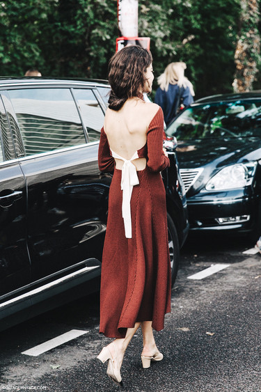 Clonados y pillados: el vestido de Céline de hace unos años aparece de nuevo en forma de clon