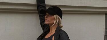 Tremendo lookazo deportivo se ha marcado Valentina Zenere con un con top, unos leggings y una americana