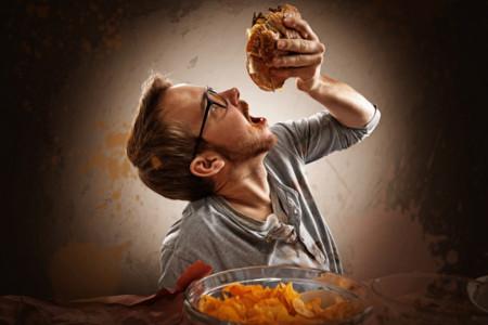 ¿Por qué engordamos cuando estamos estresados? Conoce lo que puedes hacer para evitarlo