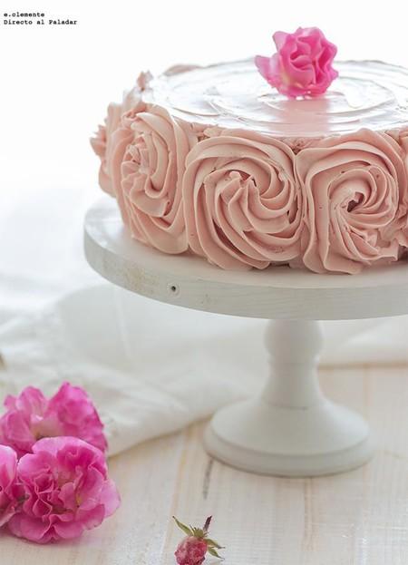 Tarta de crema de mantequilla, frambuesas y mascarpone: receta para sorprender en San Valentín