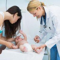 ¿Qué debemos tener en cuenta después de que le pongan las vacunas?